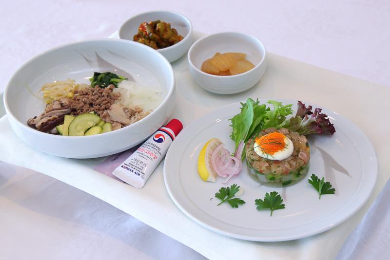 成田~ホノルル線でのプレステージクラスで提供される韓国料理