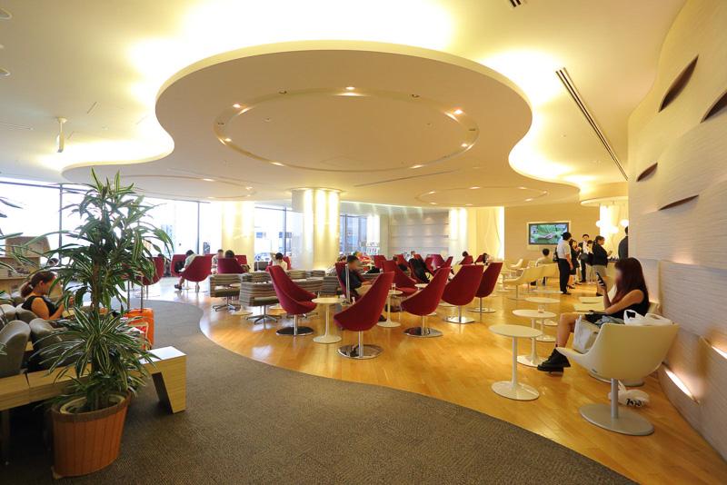 成田空港 第1ターミナル中央3階に位置する大韓航空の専用プレステージラウンジ(KALラウンジ)