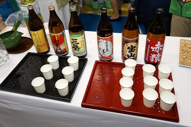 鹿児島のお酒は焼酎。もちろん試飲もある