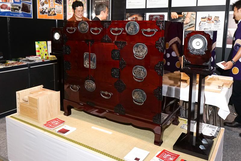 仙台箪笥とスピーカー