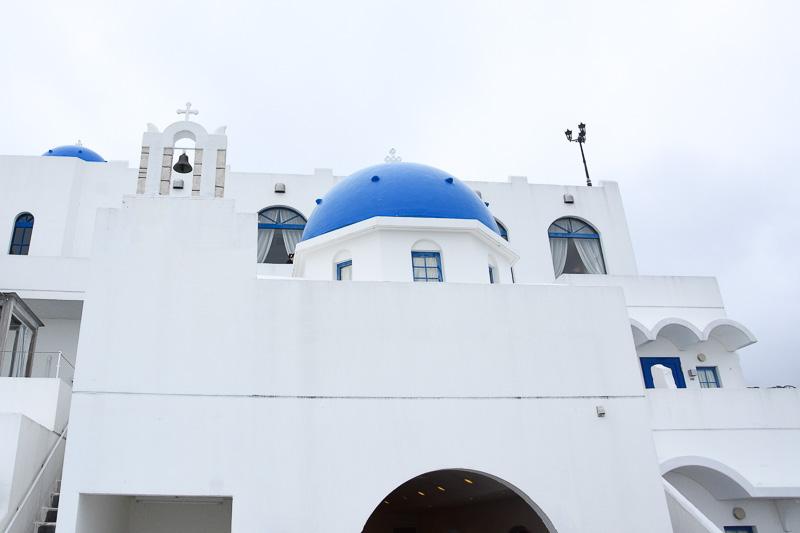 ギリシャのサントリーニ島に建つホテルをイメージした「ヴィラ サントリーニ」