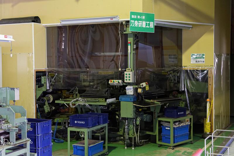 全自動で研磨できる機械もあるが、手作業のような微細な調整が困難なため、大量生産する製品にしか使っていないという