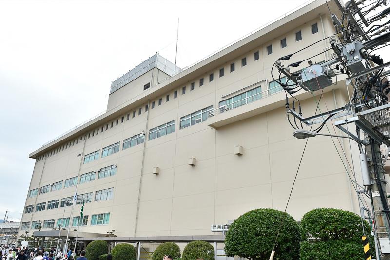 本部棟は、1階を各種見学施設、さらに屋上を開放して車両基地全体を見渡せるようになっていた
