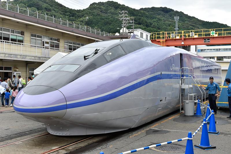 WIN350(500系新幹線の試作車となった高速試験電車)の展示