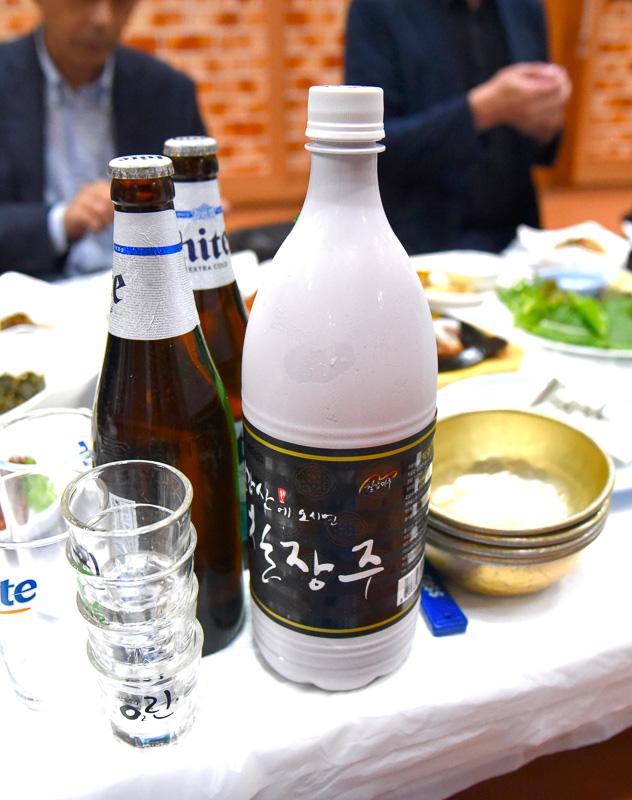 黒マッコリは青陽郡ならではのお酒。こちらは「チルガプサンチルジャンジュ」