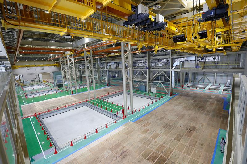 半田工場53棟で777X用中央翼生産に向けて準備が進む