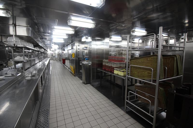 広く清潔な調理室