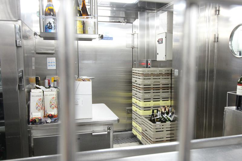アルコールは専用の倉庫で管理