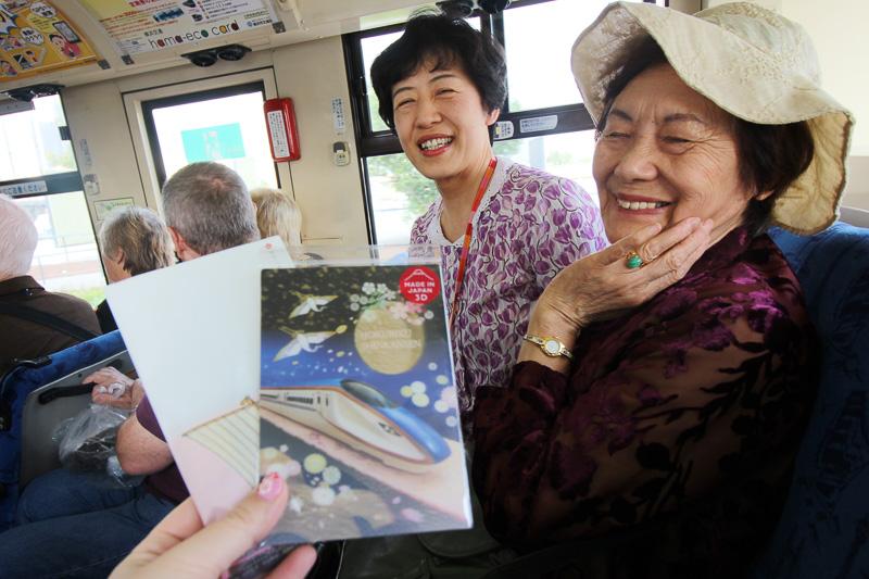 北陸から参加されていた金谷さん。クルーズの経験が豊富で、地元ではクルーズ客船のおもてなしボランティアもされているそう。記念にとポストカードをいただいた