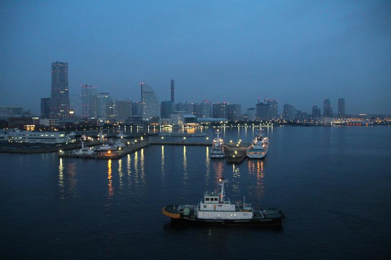 いよいよダイヤモンド・プリンセスの旅もラスト、早朝の横浜港に到着した