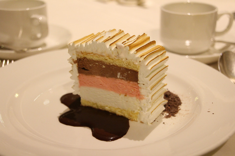 懐かしい味がする甘いデザート「ベイクド・アラスカ」