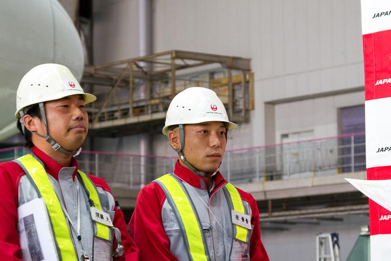 BULK部門で優勝した女満別空港の須藤大氏と原勇貴氏