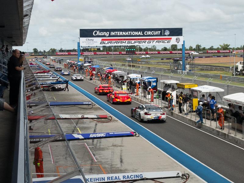 """なかなか熱い戦いが繰り広げられていたSUPER GTのタイ戦。<a href=""""http://car.watch.impress.co.jp/docs/news/1024020.html"""">Car Watchの記事</a>をご参照頂きたい"""