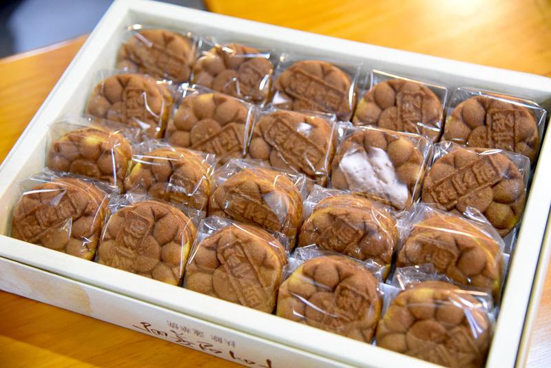 蓮の葉パンは20個入りで1万7000ウォン(約1700円)