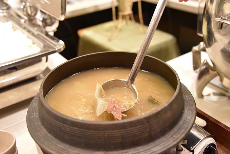 優しい味付けの「ヌルンジ」も朝食には欠かせない