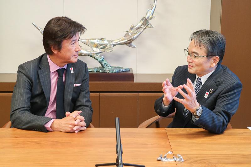 「草刈さんには『日本遺産』の伝道師になってほしい」と語る宮田亮平長官