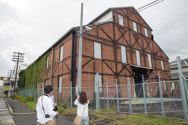 この赤煉瓦倉庫群も日本遺産構成文化財。現在も海上自衛隊が使用している