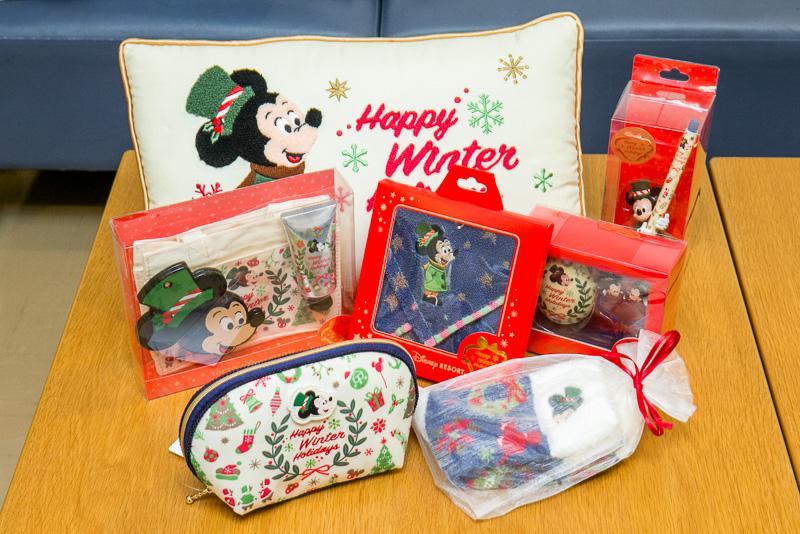 「Happy Winter Holidays」シリーズも、そのままプレゼントできるラッピングを意識したもの