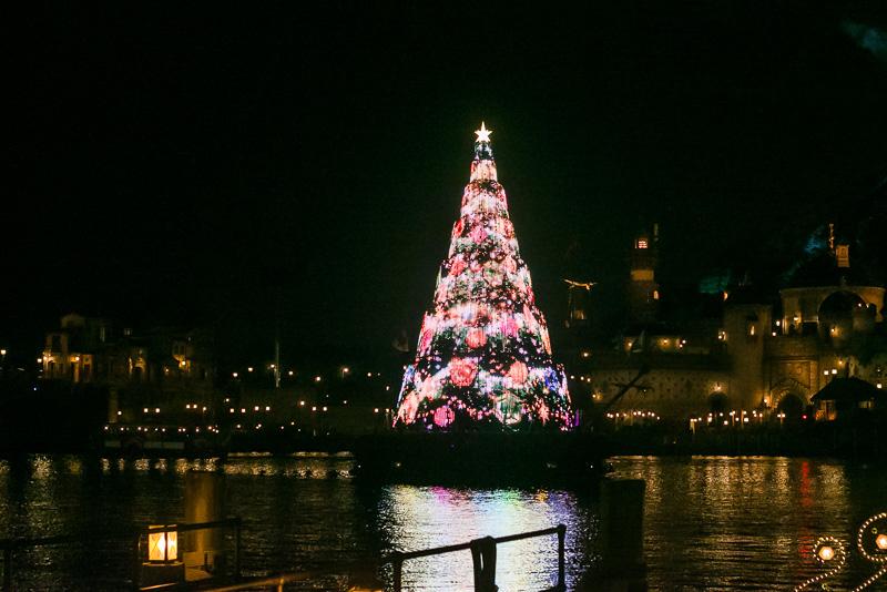 光と音の演出「カラー・オブ・クリスマス~アフターグロウ」
