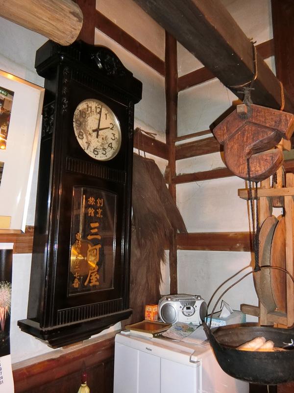 店名入りの古時計