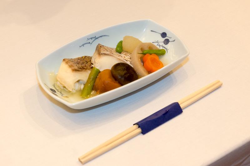仁坂知事、ANA志岐常務も主菜を試食