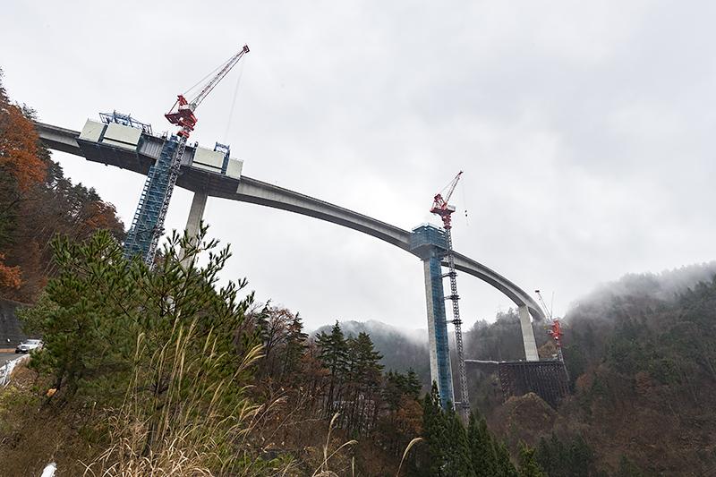日本一高い橋脚を持つ鷲見橋