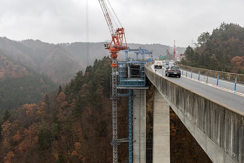 P2橋脚上部から見たI期線(富山方面)