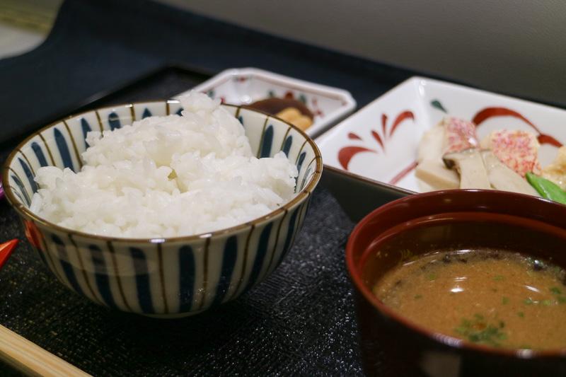 機内食で炊き立てのご飯を食べられるのはとてもうれしい
