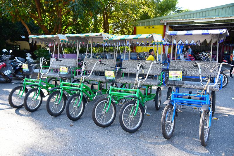 4人乗りの電動自転車をレンタル。4人乗るため自力で漕ぐとかなり重いため助かる