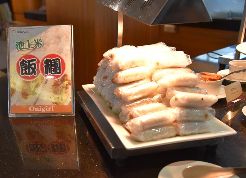 池上米を使ったメニューがイチオシされている。飯團(台湾風おにぎり)は定番で間違いなく美味しいのでお勧め