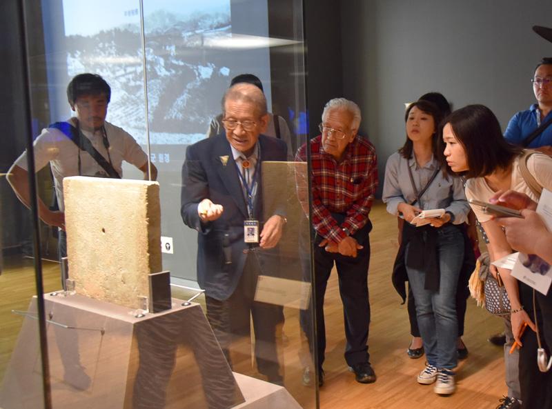 ファン先生に解説を担当してもらった。発掘品の詳細から、日本と百済の当時の仲のよさを含め熱く語ってくれた