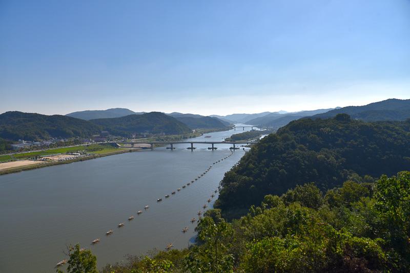 百済時代から錦江を見下ろす景色はあまり変わっていないという