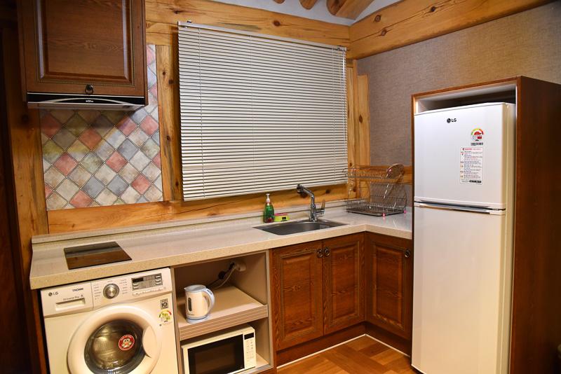 キッチンとランドリーも完備