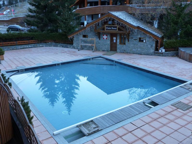 ホテルには屋外に温水プールと、その横にはサウナがありますが、シーズンオフのため、残念ながら使用不可でした。シーズン中はスパも営業しているそう