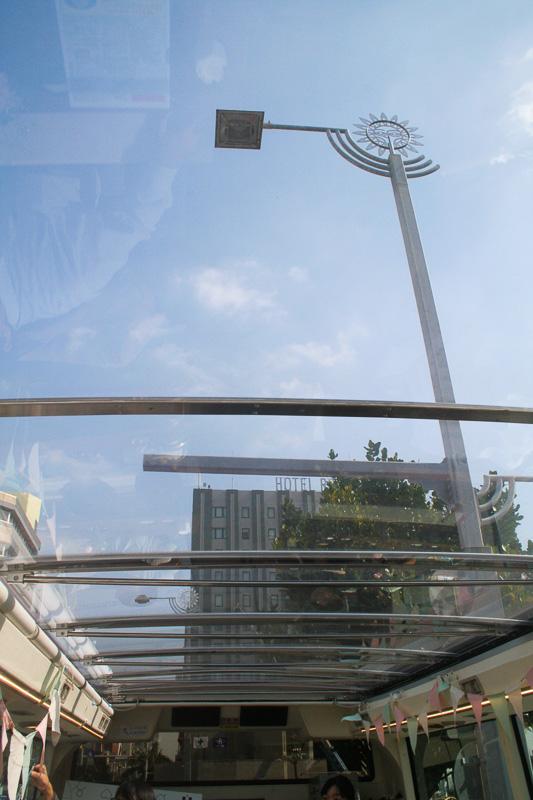 この日は天気もよく、天井越しに見える青空も気持ちがよい