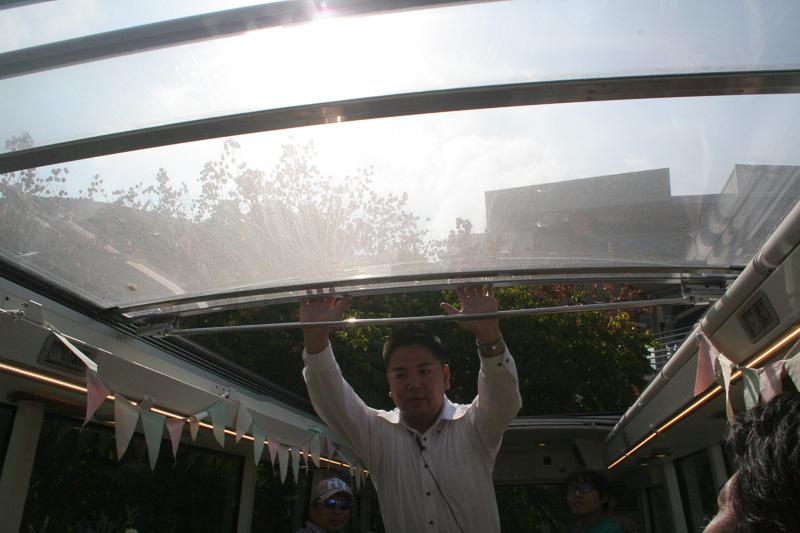 透明な天井は開閉式