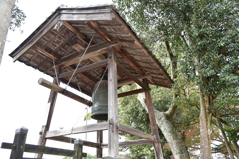 江戸時代から変わらず城下町に時刻を知らせている時報鐘
