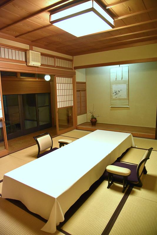 和室も2部屋あり、家族で宿泊しても広々使える