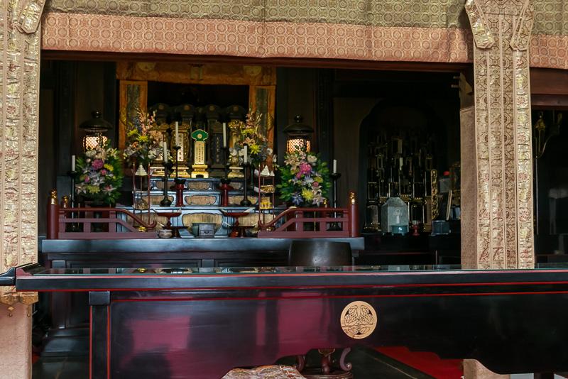 境内には徳川慶喜の位牌などが安置されている