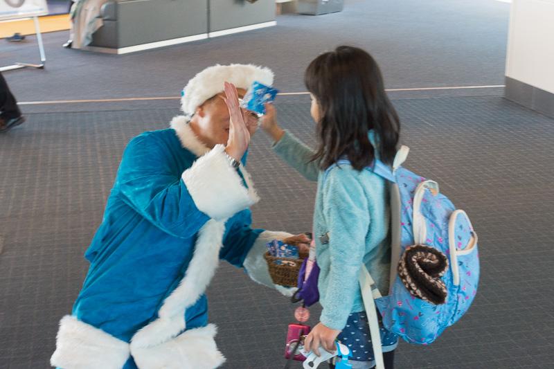 サンタクロースは子供たちに人気