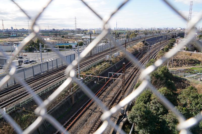 下には国道6号とJR常磐線が交差する