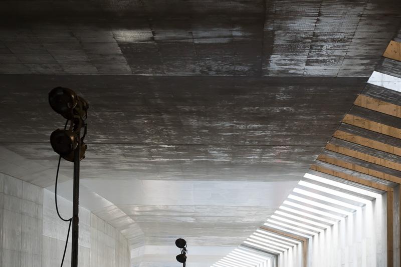 現状のトンネル天井部分は、作った時期によって表面処理が異なっている