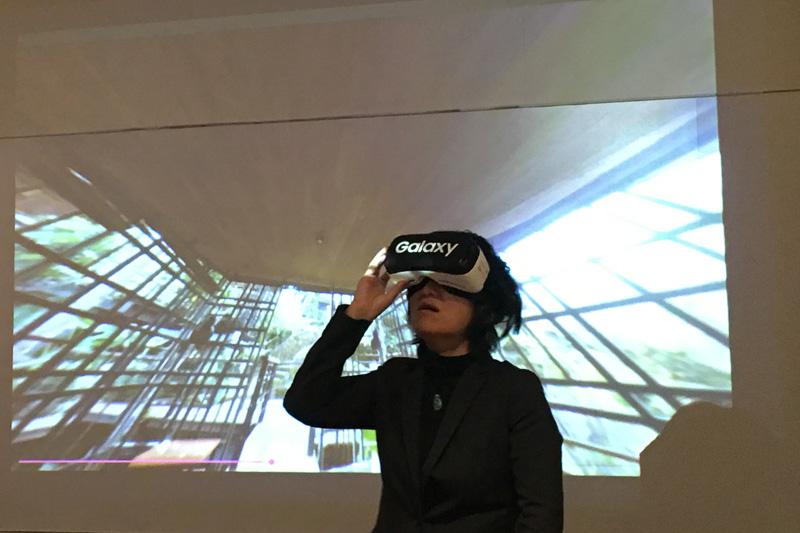 サムスン電子「Galaxy」とのコラボレーションで、VR(バーチャルリアリティ)端末「Gear VR」を使った、星のやバリバーチャル体験も用意された