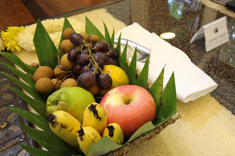テーブルには毎日フルーツが置かれていた