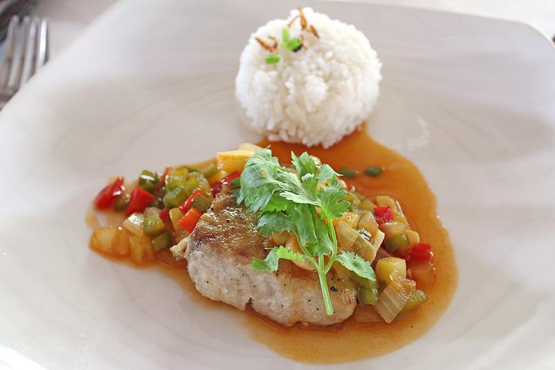 ライスによく合うソースの「シーバスの甘酸っぱいソースがけ(Seabass Sweet&Sour)