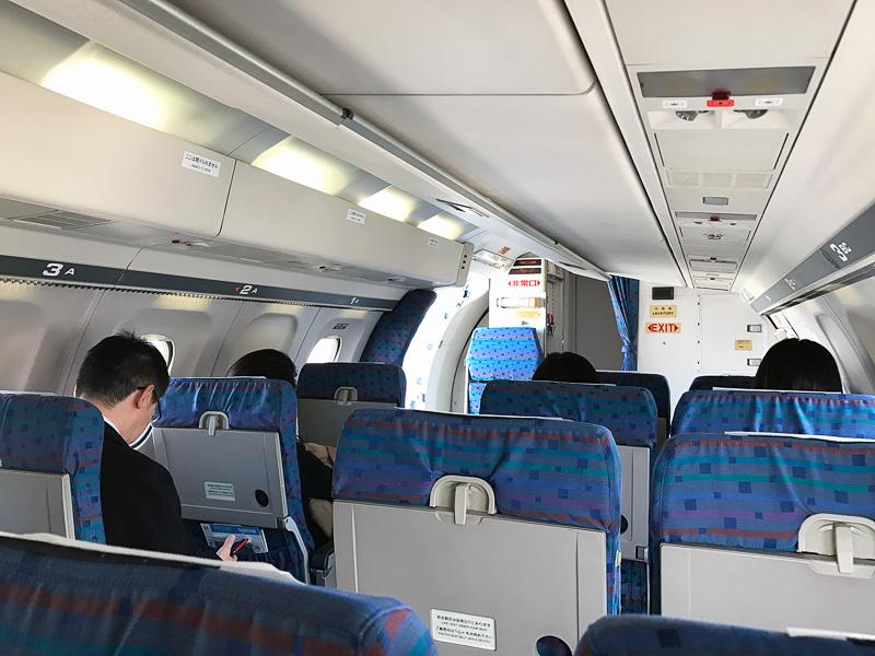 横3列シートというかわいいサイズの飛行機