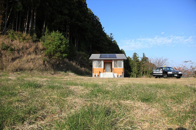 現在の潮見峠にはバイオトイレが設置されている。昭和初期までは簡易な宿を兼ねた茶屋があったそうだ