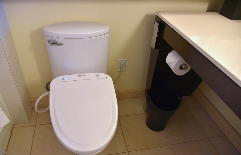 トイレはウォシュレットを完備。日本人にはうれしい装備