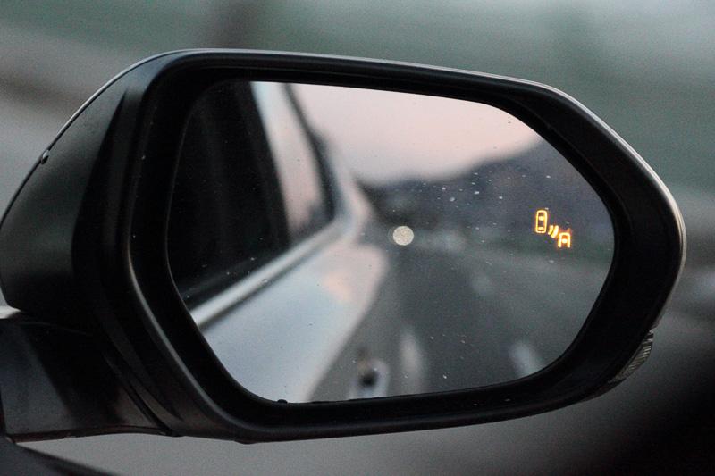 車線変更時の後方確認をアシストする「ブラインドスポットモニター」は「G」「G-T」グレードに装備される