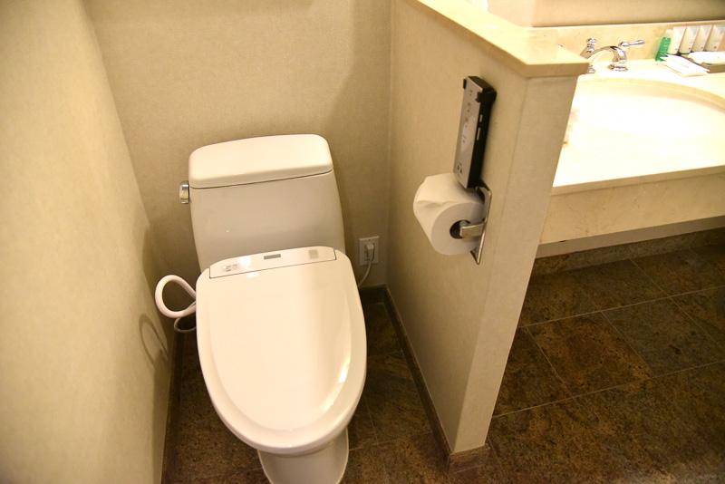 TOTOのウォシュレットでお手洗いでもリラックスタイムを約束